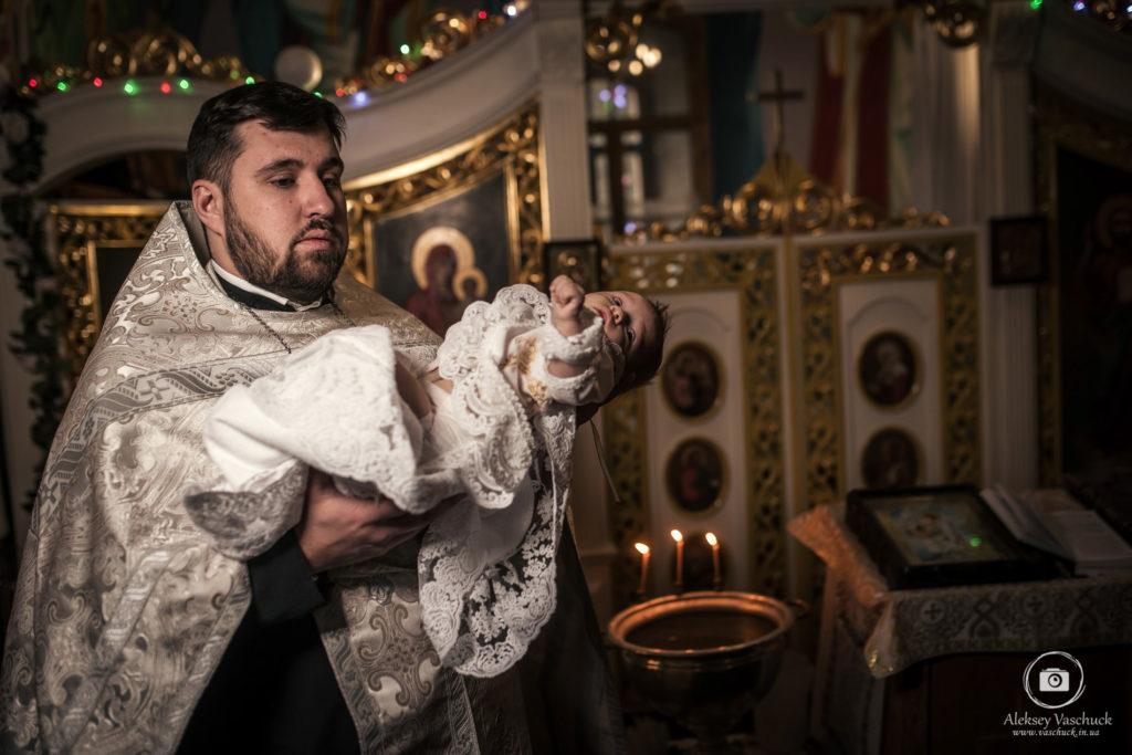 Крещение в Выдубицком монастыре
